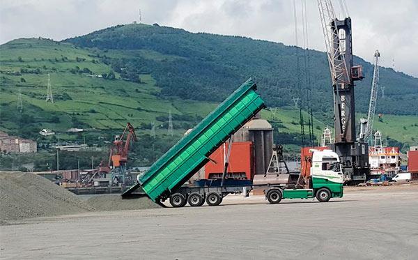 Transporte de mercancías peligrosas, transporte de materias primas a granel (Nacional e Internacional).